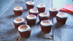 mh_1035_toasted_marshmallow_cupcakes-428x240